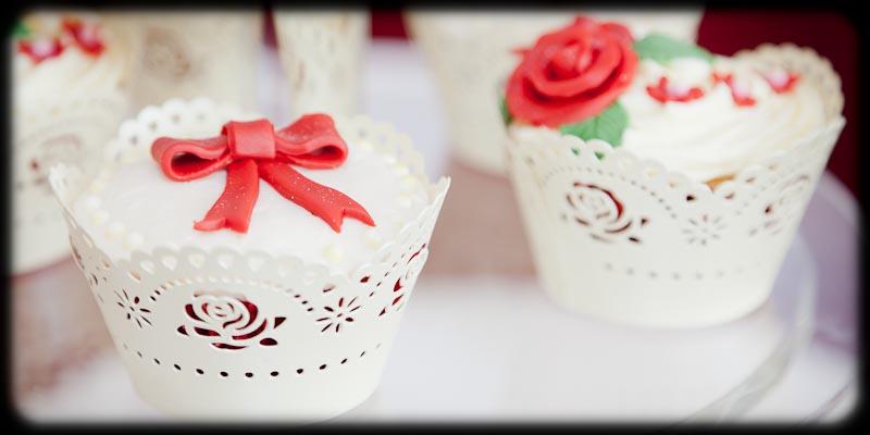 wedding photographer gloucestershire cupcakes